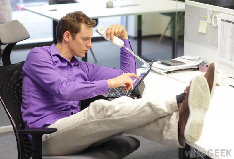 Jangan Sampai Dilakukan 6 Perilaku ini Dianggap Tidak Profesional di Kantor