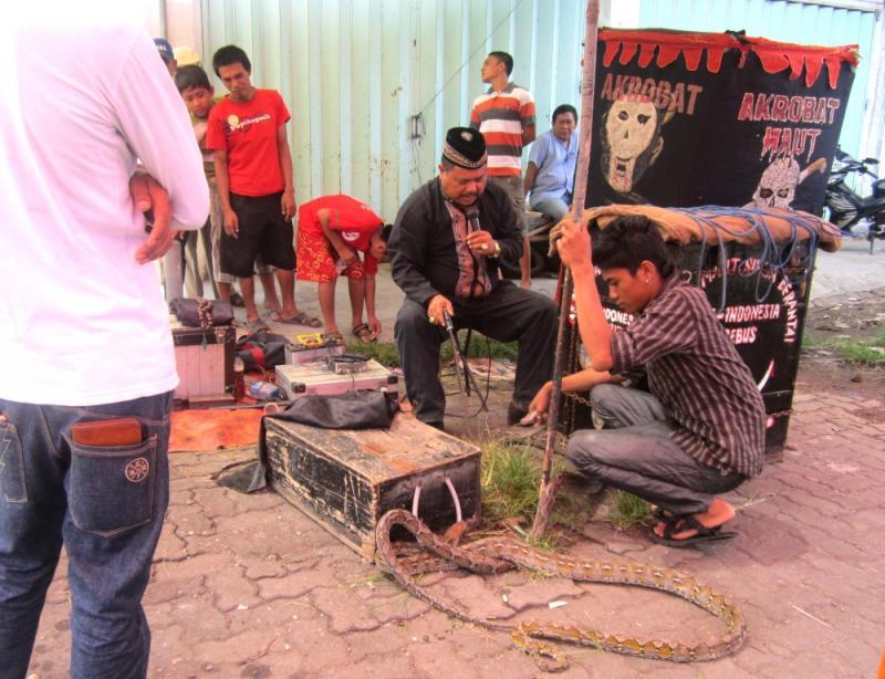 Para Pedagang quotNyelenehquot Ini Cuma Ada Di Indonesia