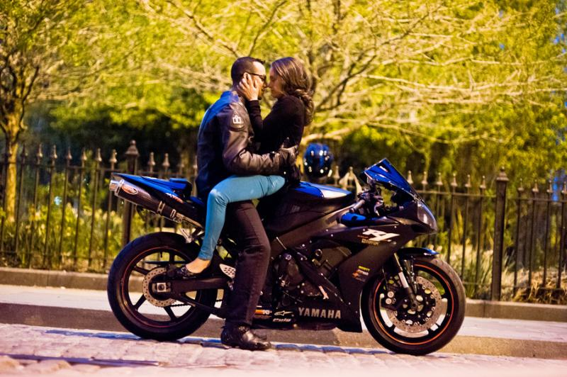 Ini Asyiknya Pacaran Sambil Naik Motor  Lebih Romantis Looo