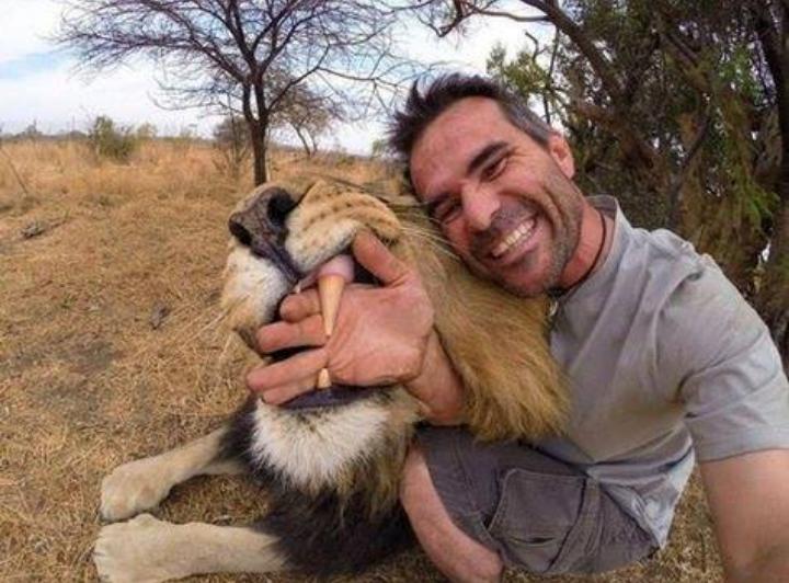 Diluar Kebiasaan 8 Selfie Ini Bikin Nyengir