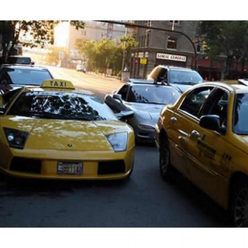 Dari Ferrari - Lamborghini Ini 9 Taksi Unik di Dunia