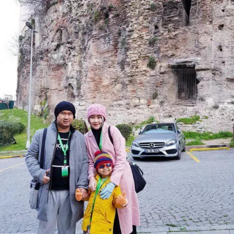 Viral Akibat Sawer Pelakor Bu Dendy Pamer Keharmonisan Bersama Keluarga