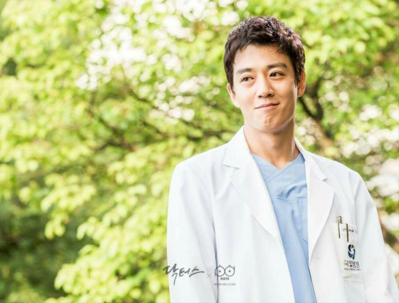 5 Dokter Tampan Dalam K-Drama Buatmu Rela Terbaring di Rumah Sakit