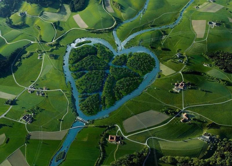 10 Sungai Terindah di Dunia Ini Buatmu Bergidik Kagum Wajib Banget Dikunjungi