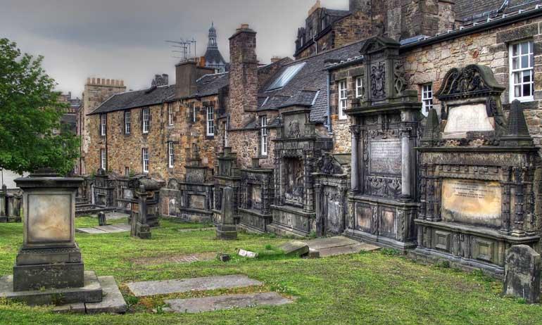 5 Makam Paling Menyeramkan di Dunia Ini Akan Menghantui Mimpi Panjangmu