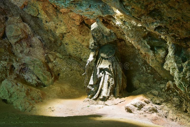 Legenda Penyihir Paling Terkenal Ada yang Bernasib Tragis dan Dibakar