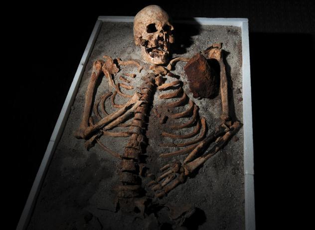 Kuburan-Kuburan Ini Diduga Sebagai Persemayaman Vampir di Dunia Ngeri Banget