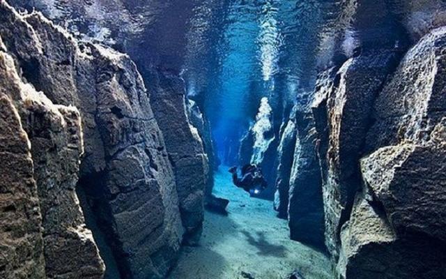Gak Nyangka Ada di Dasar Laut Inilah 4 Keindahan Alam yang Sangat Luar Biasa